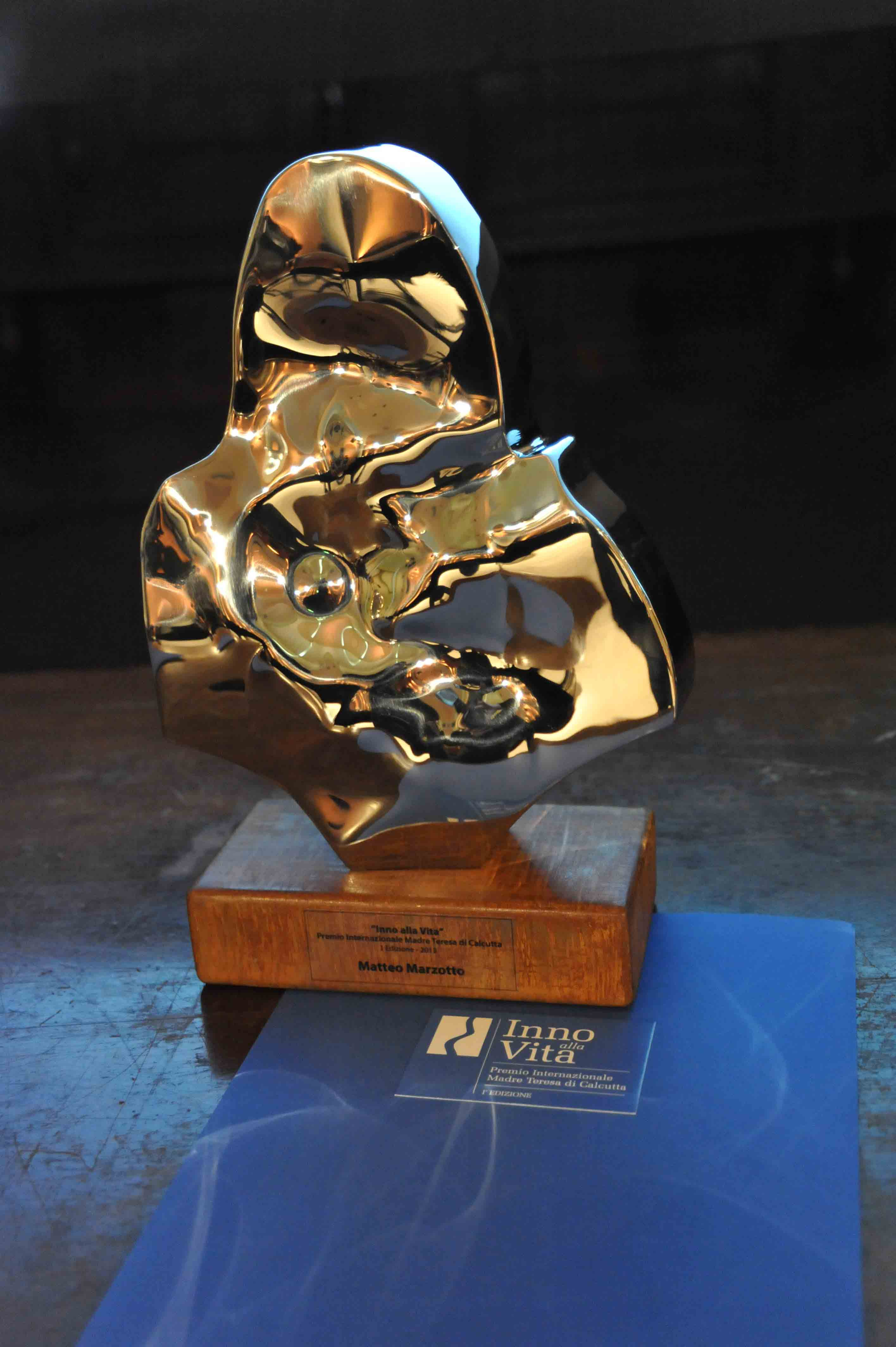 Premio_Inno_alla_Vita_2-12-_13_-_Il_Premio_di_Helidon_Xhixha