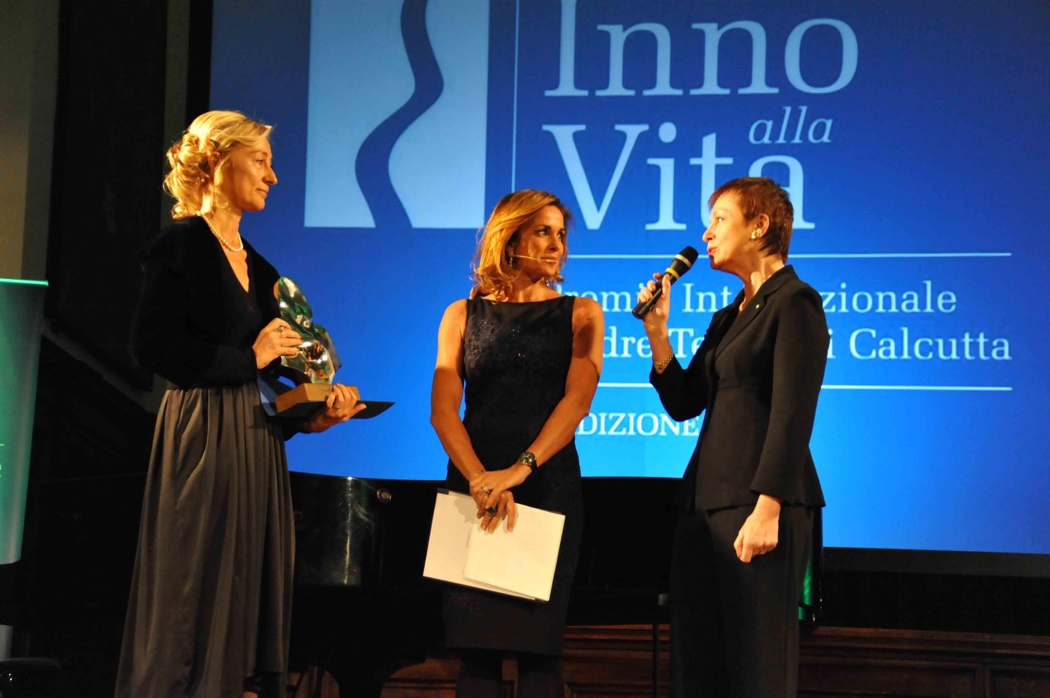 Premio_Inno_alla_Vita_2-12-_13_-_Silvia_Priori__Cristina_Parodi__Claudia_Buccellati